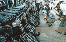 Mẫu xe máy từng có giá ngang 10 cây vàng, tương đương 1 mẫu đất nông nghiệp, CĐM hoài niệm một thời khi nhìn thấy