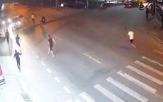 Hà Nội: Nhóm thanh thiếu niên truy sát, chém người đàn ông gục chết gần cổng công an phường