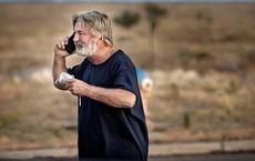 Tài tử Alec Baldwin lên tiếng về vụ bắn chết người ở phim trường, cảnh sát hé lộ sự thật về khẩu súng và nhân vật đáng ngờ