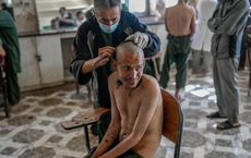 """Lột trần nỗi khiếp sợ tại """"xưởng ma túy thế giới"""": 45 ngày ám ảnh kinh hoàng thời Taliban"""