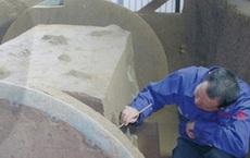 Đào ruộng lúa mì, bất ngờ phát hiện cả kho báu khổng lồ