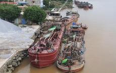 Bộ Công an dẹp nạn cát tặc, bắt quả tang 24 tàu đang hút cát trái phép