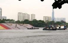 TP. HCM: Chìm sà lan ở huyện Cần Giờ, 5 người bị rơi xuống sông