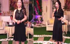 Đang livestream, bà Phương Hằng bỗng xin vắng mặt 2 phút rồi quay lại với diện mạo gây bất ngờ