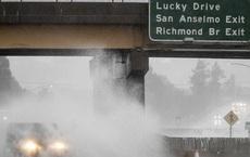 Bom bão lịch sử vùi dập bang California