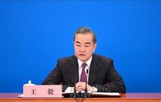 Bộ trưởng Ngoại giao Trung Quốc gặp phái đoàn chính quyền lâm thời Afghanistan