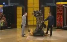 Ông chú đi kiểm định tượng Quan Âm 360kg, chuyên gia cảnh báo: Đứng vững để tôi nói giá!