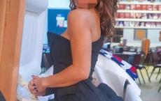 Ăn mặc hở hang và tạo dáng sexy chụp ảnh trong đám tang bố ruột, cô gái trẻ bị chỉ trích dữ dội
