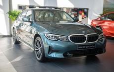 """Nếu không có pha hạ giá 222 triệu, BMW 3-series có gì để """"đấu"""" Mercedes C-class?"""