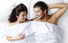 Ngủ khỏa thân: Lợi ích bất ngờ với sức khỏe và đời sống tình dục