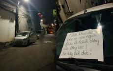 """Phát hiện kính xe bám đầy chất nhầy nhụa sau 1 đêm, chủ xe liền dán giấy """"dằn mặt"""": Nội dung gây tranh cãi"""