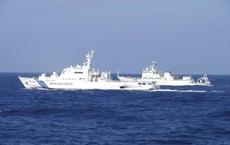 """Tàu TQ """"bén mảng"""" gần Senkaku/Điếu Ngư: Nhật Bản cho phép tàu Nhật """"nổ súng bắn trực tiếp"""""""