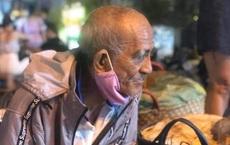 Ông lão miền Tây đêm khua vẫn gắng bán nốt 200 ký xoài kiếm tiền chữa bệnh cho vợ: 'Còn sức, tôi còn lên Sài Gòn'