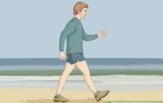 Làm thêm một động tác khi đi bộ có thể giúp tim khỏe hơn: Đặc biệt tốt cho tuổi trung niên