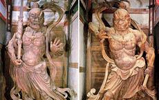 Sai người nhà bổ tượng thần hộ pháp ra để lấy gỗ, một thời gian sau, người đàn ông đối diện với cảnh tượng khiếp đảm, hối không kịp