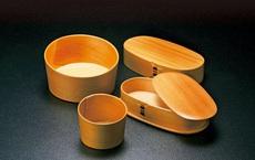 """Ngâm nước nóng để """"làm biến dạng"""" gỗ: Sáng tạo có 1-0-2 của người Nhật trong 1.300 năm"""