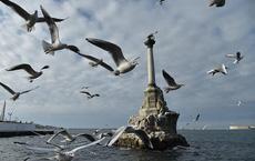 """Ukraine gây sức ép vô ích, Crimea tuyên bố  """"không bao giờ trở lại"""": Khủng hoảng nước đã có Nga lo!"""