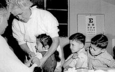 Li kỳ vụ trộm vắc-xin đi vào lịch sử năm 1959: Nó đã dạy chúng ta điều gì trong cuộc tiêm chủng COVID-19?
