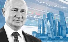 """Nga tạm """"thở phào"""": Lần đầu tiên trong thời hậu Xô viết, kinh tế Nga suy thoái nhẹ hơn nhiều nước khác"""