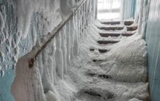 """Nơi thời gian đóng băng: Vẻ đẹp siêu thực của """"thị trấn ma"""" bị bỏ hoang ở Nga sau khi Liên Xô sụp đổ"""