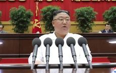 """Ông Kim Jong Un so sánh tình hình Triều Tiên với nạn đói kinh hoàng khiến """"hàng triệu người chết"""""""