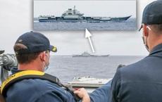 """Chỉ huy tàu khu trục Mỹ ngồi vắt chân nhìn tàu sân bay TQ: Đòn tâm lí chiến hiểm hóc, TQ đừng hòng """"tác quái""""?"""