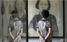 """Campuchia chấn động vụ hàng loạt ảnh nạn nhân của chế độ diệt chủng Pol Pot """"mỉm cười"""""""