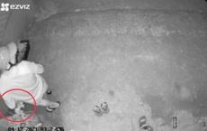 Phụ nữ cả khu mất đồ lót liên tục, khi kiểm tra camera an ninh thì thảng thốt vì danh tính kẻ trộm