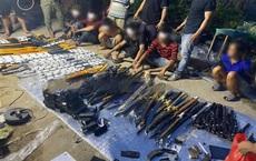 """Lộ kho vũ khí """"khủng"""" trong nhà đối tượng cộm cán ở TP Biên Hoà"""