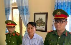 Bắt tạm giam nguyên chủ tịch xã tham ô tiền hỗ trợ lụt bão