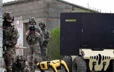 Xem chó robot trị giá 1,7 tỷ đồng của quân đội Pháp 'trổ tài' chiến đấu