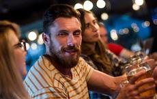Uống rượu đỏ mặt có nguy hiểm không?