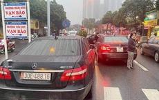 """Từ 2 xe Mercedes trùng biển số, công an triệt phá đường dây  làm giả giấy tờ, tiêu thụ xe """"gian"""""""