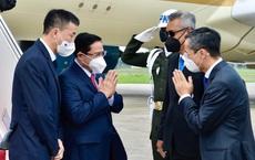 Hình ảnh Thủ tướng Phạm Minh Chính tới Indonesia, bắt đầu chuyến công tác