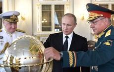 """Đòn """"tâm lý chiến"""" của ông Putin: Nga rập rình """"lên cò súng"""", Ukraine """"sống trong sợ hãi""""?"""