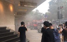 Xế sang Range Rover bốc cháy trong tầng hầm trung tâm thương mại Tràng Tiền Plaza
