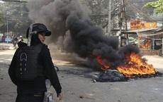 """Biểu tình """"du kích"""" tại Myanmar, thêm 5 người thiệt mạng"""
