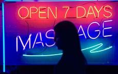 Bên trong ngành công nghiệp massage trá hình trị giá 4,5 tỷ USD tại Mỹ