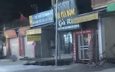 """Hà Nội: Xuất hiện """"hố tử thần"""" sâu 5 mét trước cửa nhà dân"""