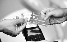 Khai tử thẻ từ ATM: Những lưu ý khi đổi thẻ chip