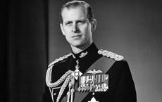 NÓNG: Hoàng thân Philip, chồng Nữ hoàng Elizabeth II, qua đời ở tuổi 99