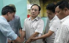 Vụ bắt giám đốc bệnh viện liên quan án giết người đàn bà: Đạt dùng dao đâm nạn nhân, Hậu chạy xe chở Đạt