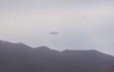 """Chứng kiến người ngoài hành tinh bước ra từ UFO khiến người dân Bolivia """"choáng váng"""""""