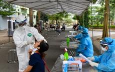 Chuyên gia dịch tễ: 2 mũi tấn công khiến làn sóng dịch bệnh thứ 4 ở Việt Nam trở nên phức tạp