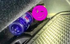 Đang lái xe, cô gái nhìn xuống khoang lái rồi hét lên sợ hãi, phải cầu cứu cảnh sát