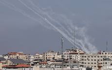Đang căng thẳng với Palestine, Israel lại phải hứng rocket từ Lebanon