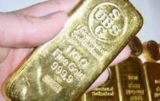 """""""Nhặt nhạnh"""" hơn 100 kg vàng nằm quanh chân ghế trong ngôi nhà thừa kế"""