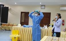 Bác sĩ Việt Nam hỗ trợ Lào cấp cứu 1 bệnh nhân mang thai mắc Covid-19 chuyển biến nặng