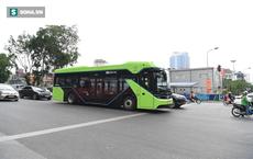 VinBus bất ngờ xuống phố, ngày đi xe buýt điện chính thức không còn xa?