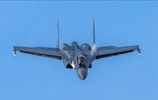 """Ác mộng mà Su-35 Nga khiến F-22 của Mỹ """"bạt vía"""" nơi biên giới"""
